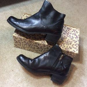 UGG Shoes - UGG Black Leather Heeled Ankle Boots